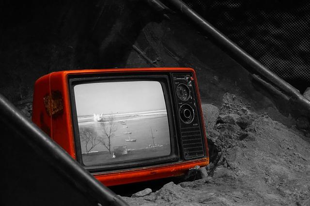 červená televizka