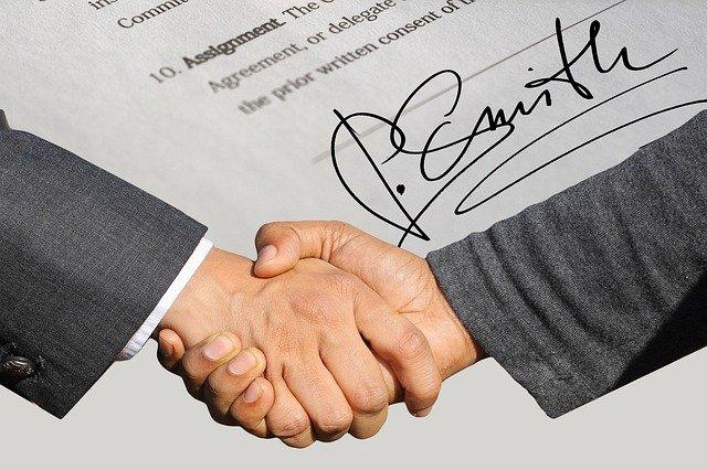 podpis smlouva